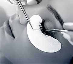 /Semi-Permanent%20Eyelash%20Extensions Training%20Course